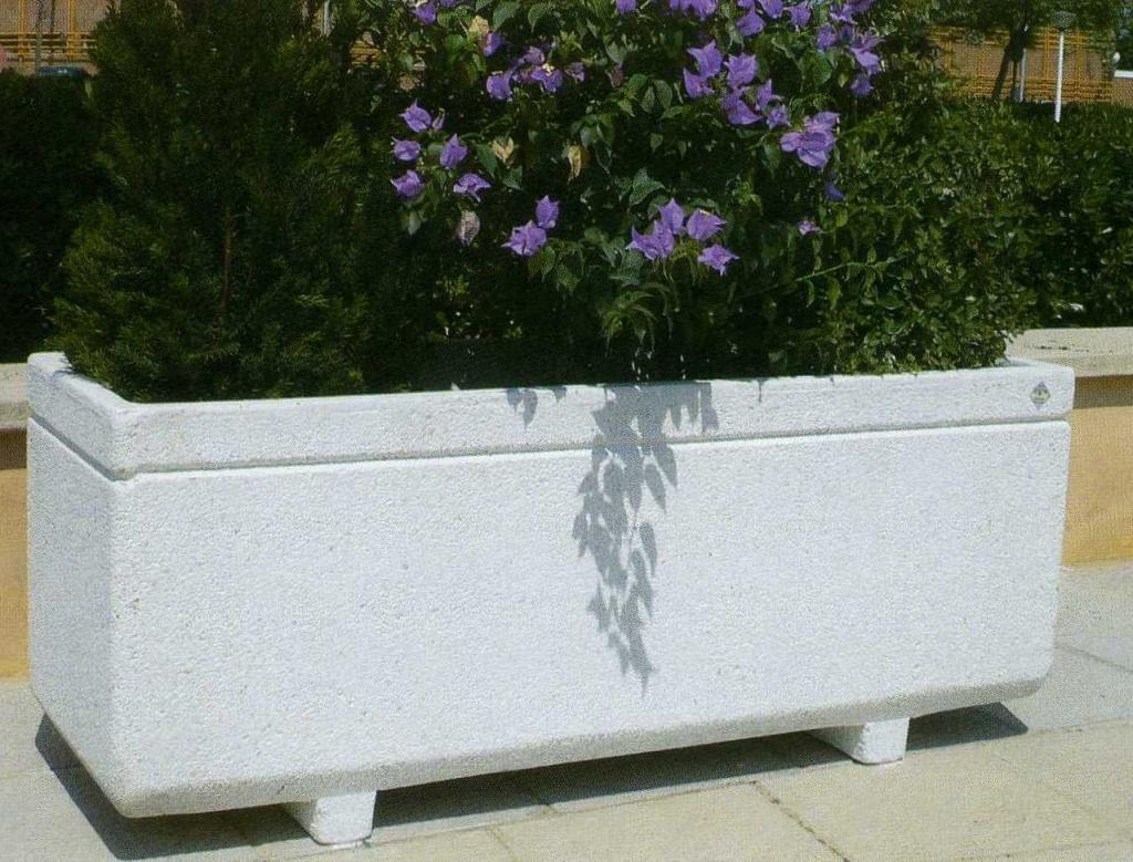 Jardinière rectangulaire en granulat de marbre